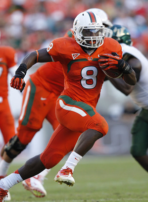 MIAMI GARDENS, FL - NOVEMBER 17: Duke Johnson #8 of the Miami Hurricanes runs with the ball against the South Florida Bulls on November 17, 2012 at Sun Life Stadium in Miami Gardens, Florida. (Photo by Joel Auerbach/Getty Images)