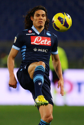 Edinson Cavani is thought to be favoring a move to Real Madrid.