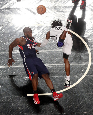 Gerald Wallace: Is he hustling or just plain clumsy? You decide.