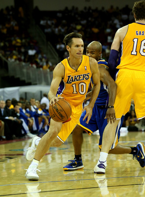 Steve Nash runs pick-and-rolls with Pau Gasol.