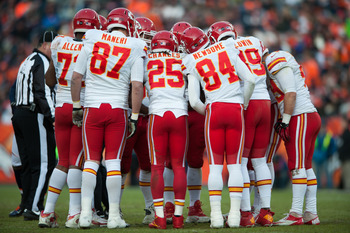 The Chiefs' offensive huddle.