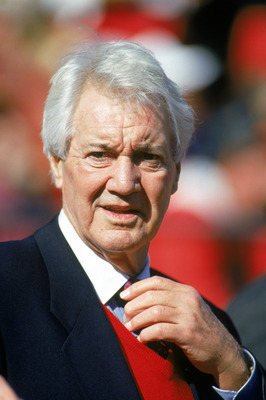 SAN FRANCISCO - NOVEMBER 13: ESPN Anchorman Pat Summerall looks on during a game with the Dallas Cowboys against the San Francisco 49ers at Candlestick Park on November 13, 1994 in San Francisco, California. The 49ers won 21-14. (Photo by George Rose/Gett