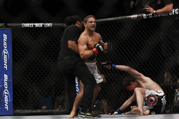 Chad Mendes and Darren Elkins - Esther Lin/MMAFighting