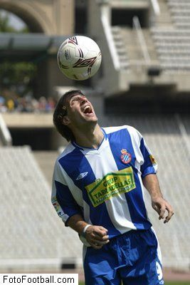 Pablo Zabaleta is happy to see the ball while at Espanyol. (Fotofootball.com)