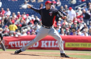 March 7, 2013; Clearwater, FL, USA; Minnesota Twins starting pitcher Kyle Gibson (32) throws a pitch during the first inning against the Philadelphia Phillies at Bright House Networks Field. Mandatory Credit: Kim Klement-USA TODAY Sports