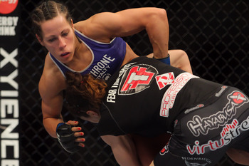 Sheila Gaff fell victim to Sara McMann's elite wrestling.