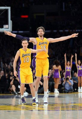 Steve Nash (left) and Pau Gasol (right).