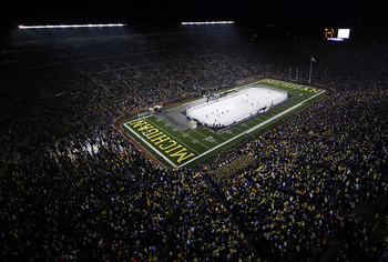 Michigan Stadium holds the world record for the largest crowd to ever attend a hockey game.