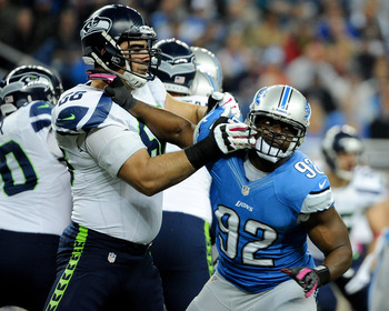 Cliff Avril will boost the Seahawks pass rush.