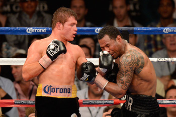 Alvarez dominated Shane Mosley last year.
