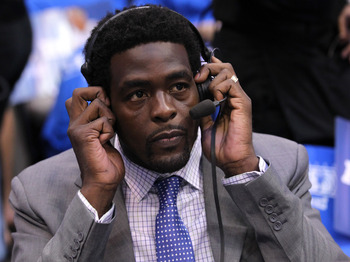Michigan and Chris Webber need to mend their strained relationship.