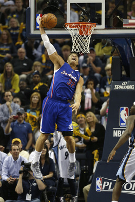 MEMPHIS, TN - MAY 3:  Blake Griffin #32 of the Los Angeles Clippers dunks against the Memphis Grizzlies during Game Six of the Western Conference Quarterfinals of the 2013 NBA Playoffs at FedExForum on May 3, 2013 in Memphis, Tennessee. Memphis won 118-10
