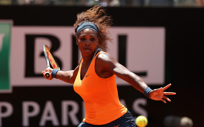 ROME, ITALY - MAY 18:  Serena Williams of the USA plays a forehand against Simona Halep of Romania in their semi final match during day seven of the Internazionali BNL d'Italia 2013 at the Foro Italico Tennis Centre  on May 18, 2013 in Rome, Italy.  (Phot