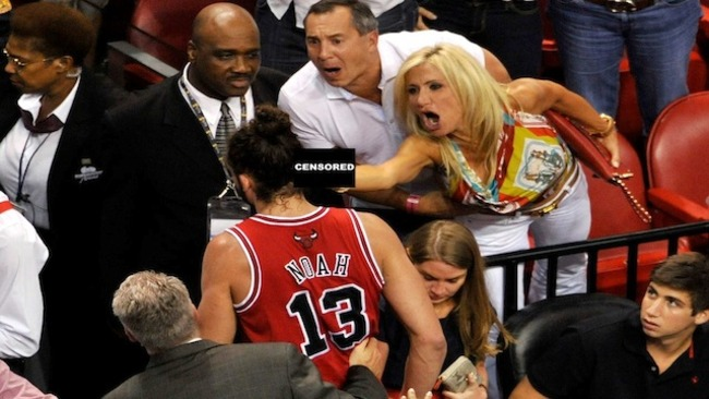 Miami-heat-fan-middle-finger_crop_650