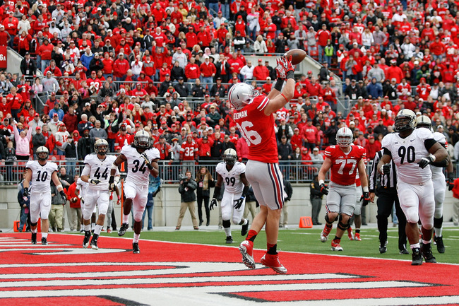 COLUMBUS, OH - OCTOBER 20:  Jeff Heuerman #86 of the Ohio State Buckeyes catches a two point conversion against the Purdue Boilermakers and send the game into overtime on October 20, 2012 at Ohio Stadium in Columbus, Ohio. (Photo by Kirk Irwin/Getty Image