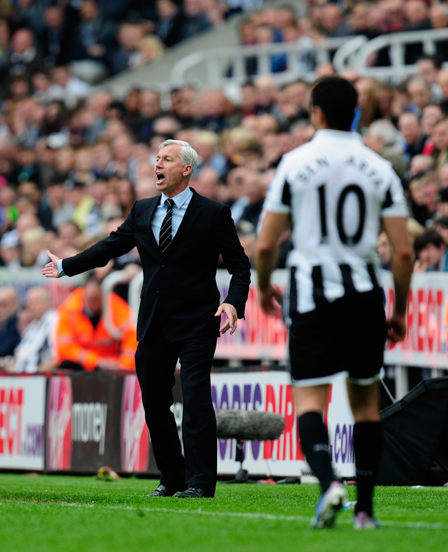 NEWCASTLE UPON TYNE, ENGLAND - MAY 19:  Newcastle manager Alan Pardew reacts during the Barclays Premier League match between Newcastle United and Arsenal at St James' Park on May 19, 2013 in Newcastle upon Tyne, England.  (Photo by Stu Forster/Getty Imag