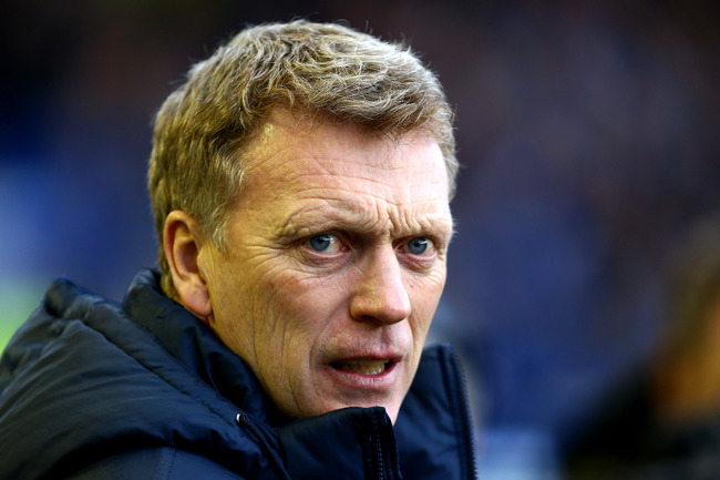 LIVERPOOL, ENGLAND - MARCH 30:   David Moyes, Manager of Everton looks on during the Barclays Premier League match between Everton and Stoke City at Goodison Park on March 30, 2013 in Liverpool, England.  (Photo by Jan Kruger/Getty Images)