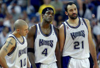 Despite falling short of the title, Chris Webber and Vlade Divac (Nos. 4 and 21, joined by No. 10 Mike Bibby) had their uniform numbers retired by Sacramento in 2009.