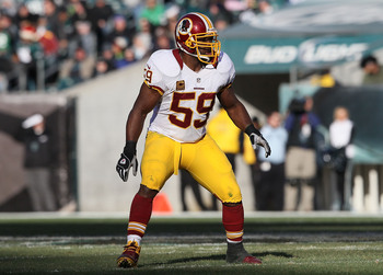 PHILADELPHIA, PA - DECEMBER 23: London Fletcher #59 of the Washington Redskins lines up against the Philadelphia Eagles at Lincoln Financial Field on December 23, 2012 in Philadelphia, Pennsylvania.  (Photo by Alex Trautwig/Getty Images)