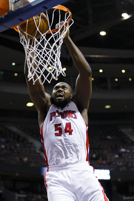 Jason Maxiell is known for his monster dunks, but his athleticism is waning.