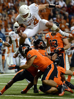 Expect Ash's legs to carry him to better fortune in the red zone, as they did for this touchdown in the Alamo Bowl. (Robert Backman/Cal Sport Media)