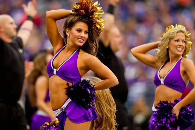 How to Score a Date with a Pro Cheerleader