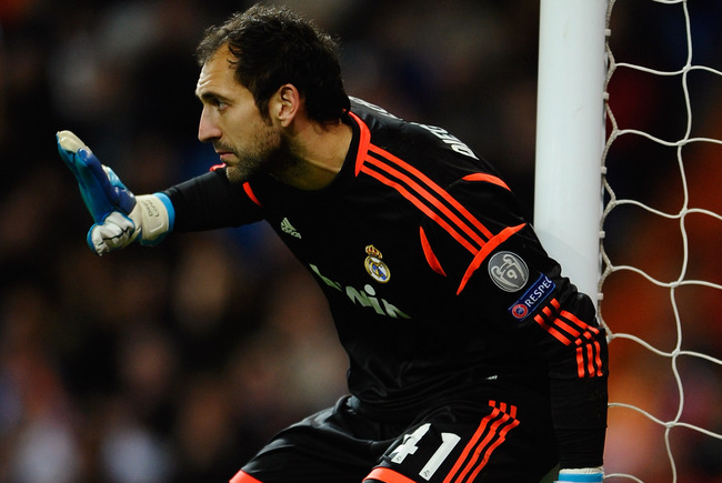 MADRID, SPAIN - APRIL 03:  Diego Lopez of Real Madrid lines up a wall during the UEFA Champions League Quarter Final first leg match between Real Madrid and Galatasaray at Estadio Santiago Bernabeu on April 3, 2013 in Madrid, Spain.  (Photo by Manuel Quei