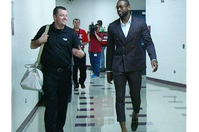 Esq-dwyane-wade-capri-pants-051413-xlg_original_crop_650