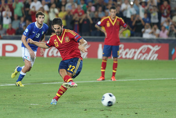 JERUSALEM, ISRAEL - JUNE 18:  Isco of Spain scores a penalty during the UEFA European U21 Championships Final match between Spain and Italy at Teddy Stadium on June 18, 2013 in Jerusalem, Israel.  (Photo by Ian Walton/Getty Images)