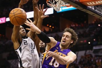 Pau Gasol is one of the best passing big men in the league.