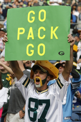 Minnesota Viking fans have difficulty associating with Green Bay Packer fans.