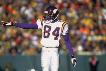 Prior to the 2002 season, then-coach Mike Tice stated that 40 percent of passes should go to Randy Moss.
