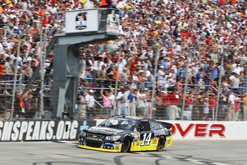 Tony Stewart's lone win of 2013 came in Dover.