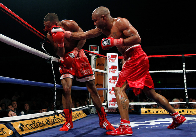 SHEFFIELD, ENGLAND - JULY 7:  Kell Brook (L) of England in action with Carson Jones of the USA during their IBF Welterweight Title Eliminator Fight at the Sheffield Motorpoint Arena on July 7, 2012 in Sheffield, England (Photo by Paul Thomas/Getty Images)