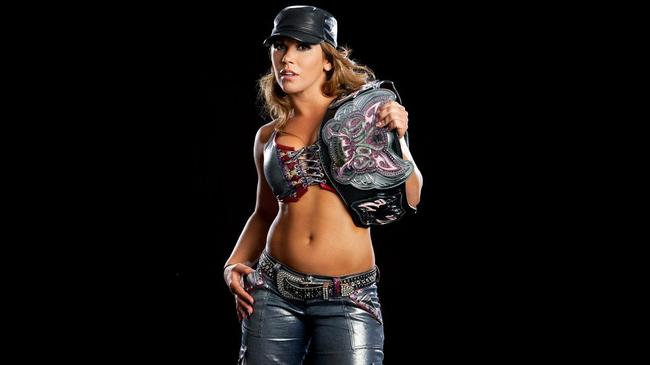 Mickiejames-divaschampion_crop_650