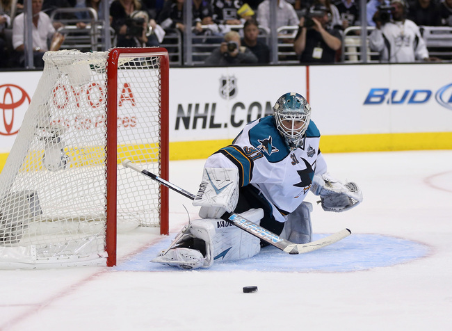 LOS ANGELES, CA - MAY 28:  Goaltender Antti Niemi #31 of the San Jose Sharks makes a save against the Los Angeles Kings in Game Seven of the Western Conference Semifinals during the 2013 NHL Stanley Cup Playoffs at Staples Center on May 28, 2013 in Los An