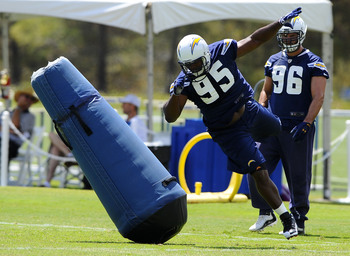 Freeney (95) may not be the answer the Chargers are looking for regarding the team's pass rush question.