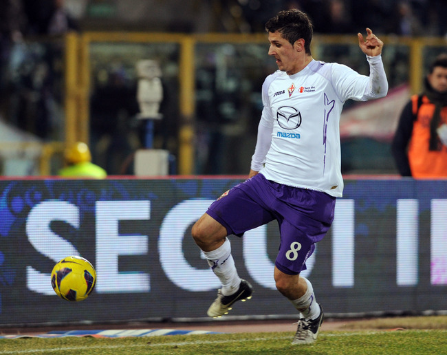 BOLOGNA, ITALY - FEBRUARY 26:  Stevan Jovetic of Fiorentina in action during the Serie A match between Bologna FC agen judi bola terpercaya ACF Fiorentina at Stadio Renato Dall