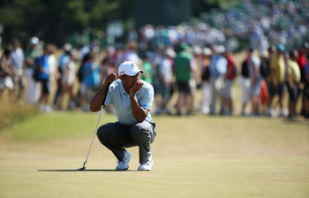 Woods was average at best on the Muirfield greens Friday.