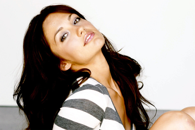 Minka-wallpaper-minka-kelly-1724531-1280-800_crop_650