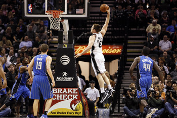 Aron Baynes probably had the best showing of any Spurs player in Vegas.