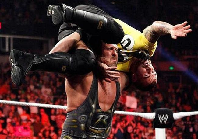 Ryback-attacks-cm-punk-600_crop_650