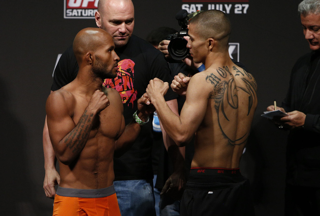 036_demetrious_johnson_vs_john_moraga_gallery_post_crop_650x440
