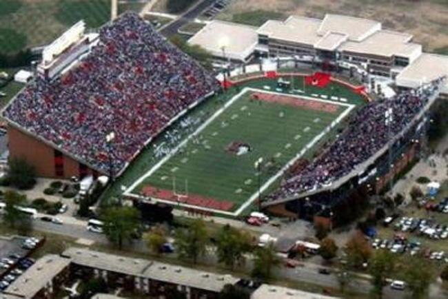 Niu_stadium_original_crop_650