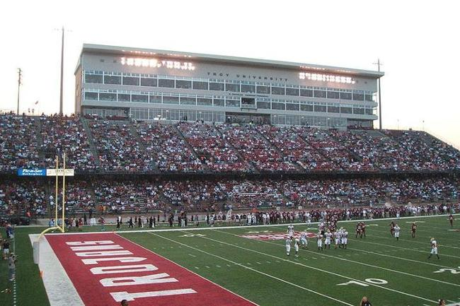 453_veterans_memorial_stadium_crop_650