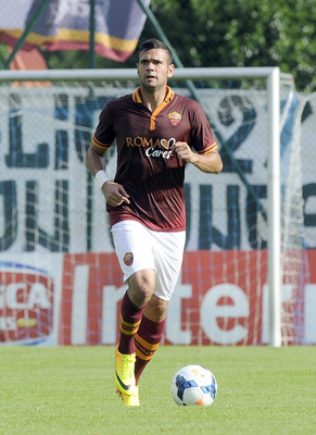 Castan another possible candidate to make way for Gervinho
