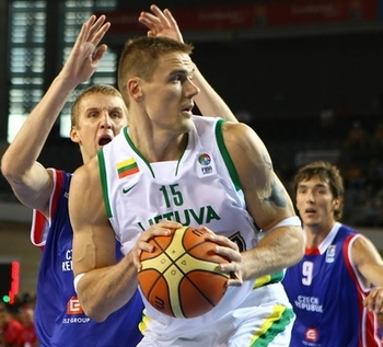 Robertas Javtokas has played for Lithuania in international competition throughout his career. (Photo Credit: Interbasket.net)