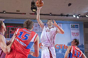 It was painfully hard to find any pictures of Sergei Karaulov playing basketball. (Photo Credit: Pavelsch)