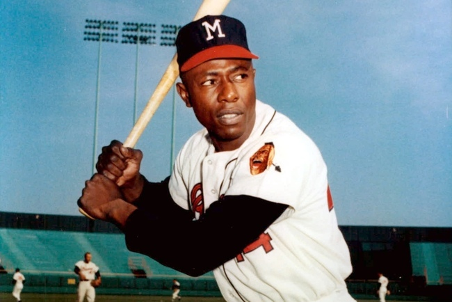 Hank_aaron_milwaukee_braves_15_original_crop_650