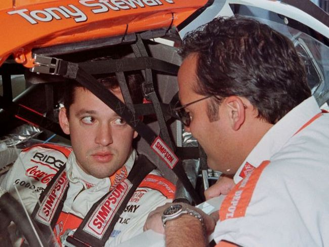 2013-02-22-tony-stewart-gallery-5-4_3_rx513_c680x510_crop_650